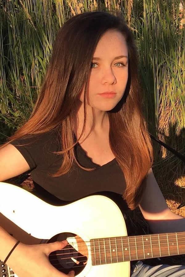 grass-guitar